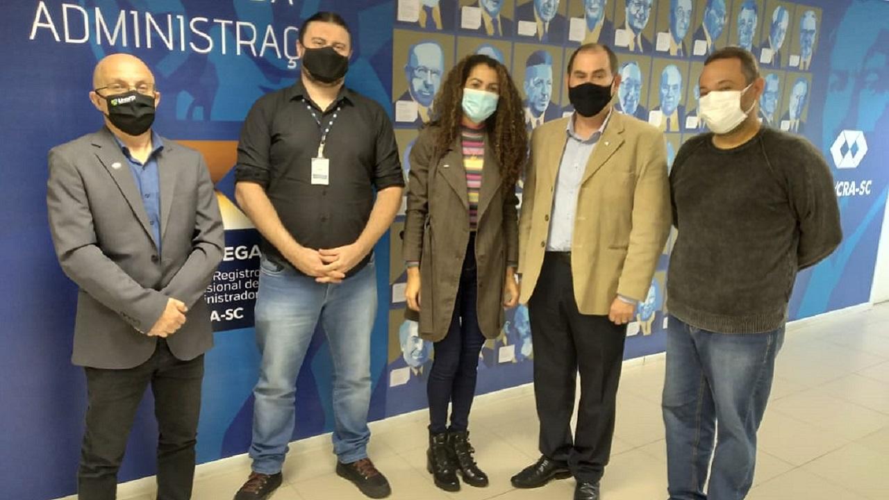 Equipe de fiscalização do CRA-MT participa de visita técnica no CRA-SC