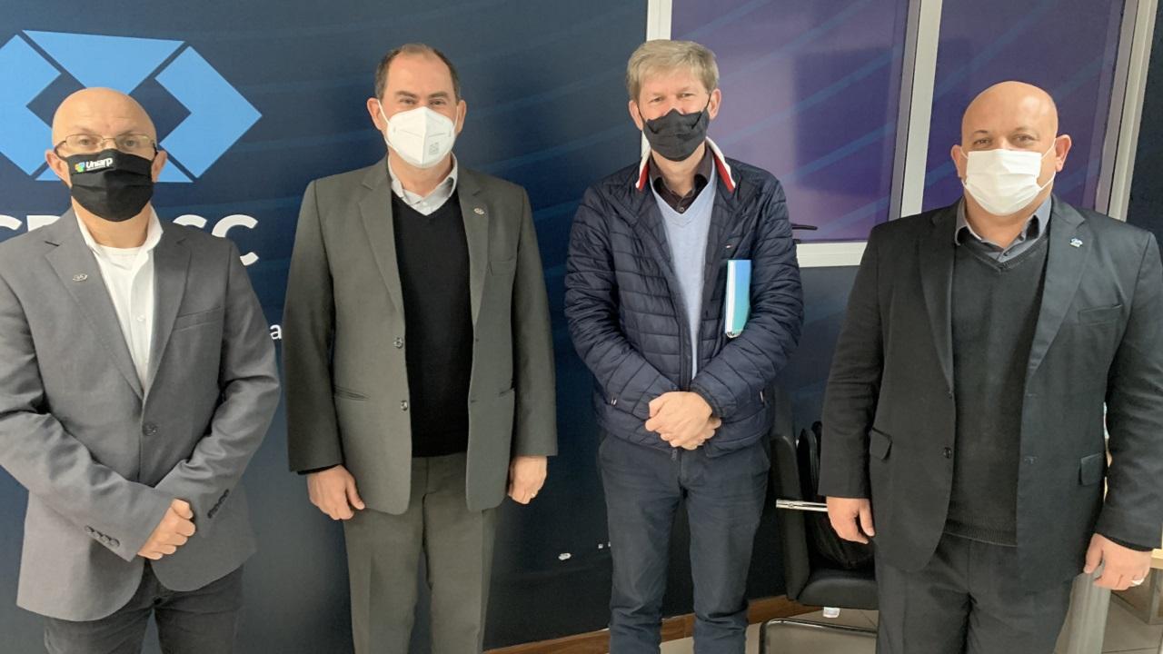 Reunião com reitor da UNISUL é realizada na capital catarinense