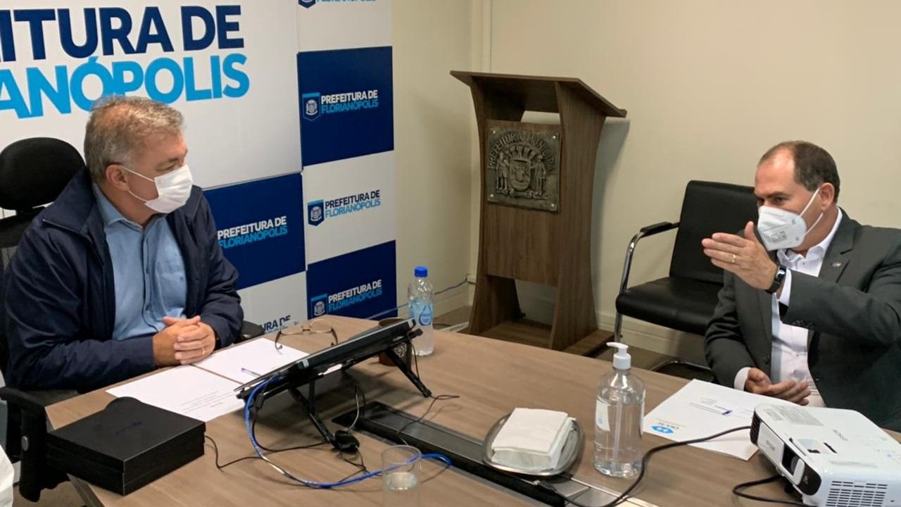 Prefeito de Florianópolis recebe comitiva do CRA-SC