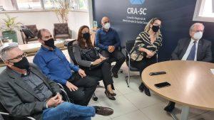Projeto sobre empoderamento feminino é apresentado ao CRA-SC